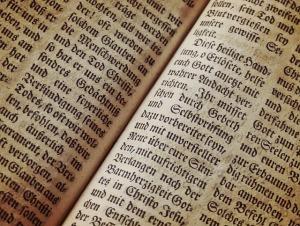 bible-1960635_640